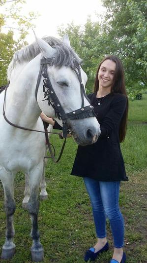 фото: Наше первое катание на лошади. Радости нет предела!)