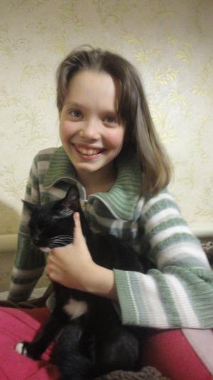 фото: Пакостные кошки и проворная хозяйка